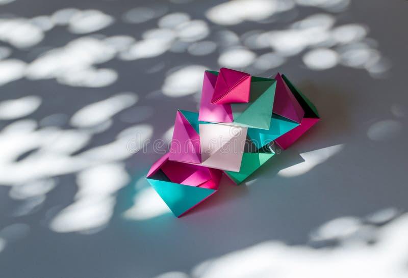 How to Make an Origami Diamond Gemstone Ornament: 11 Steps | 546x800