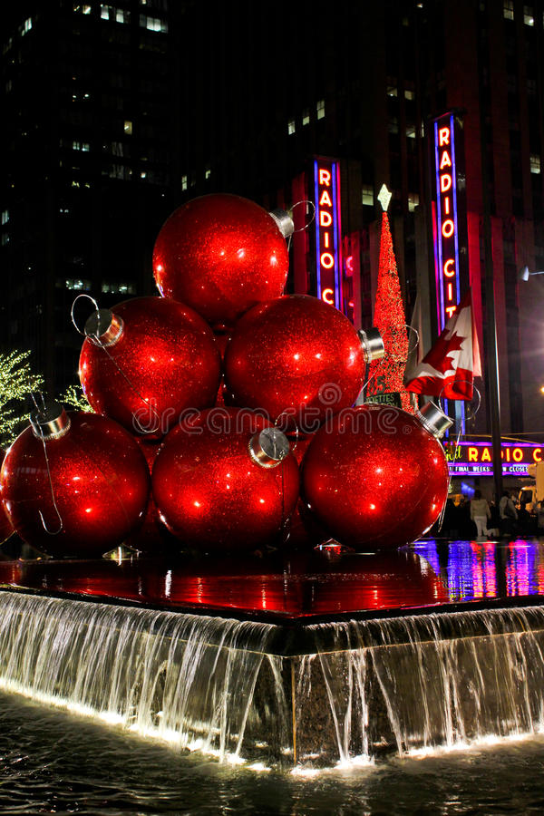 Free Christmas Balls And Radio City Music Hall Royalty Free Stock Photos - 28226798