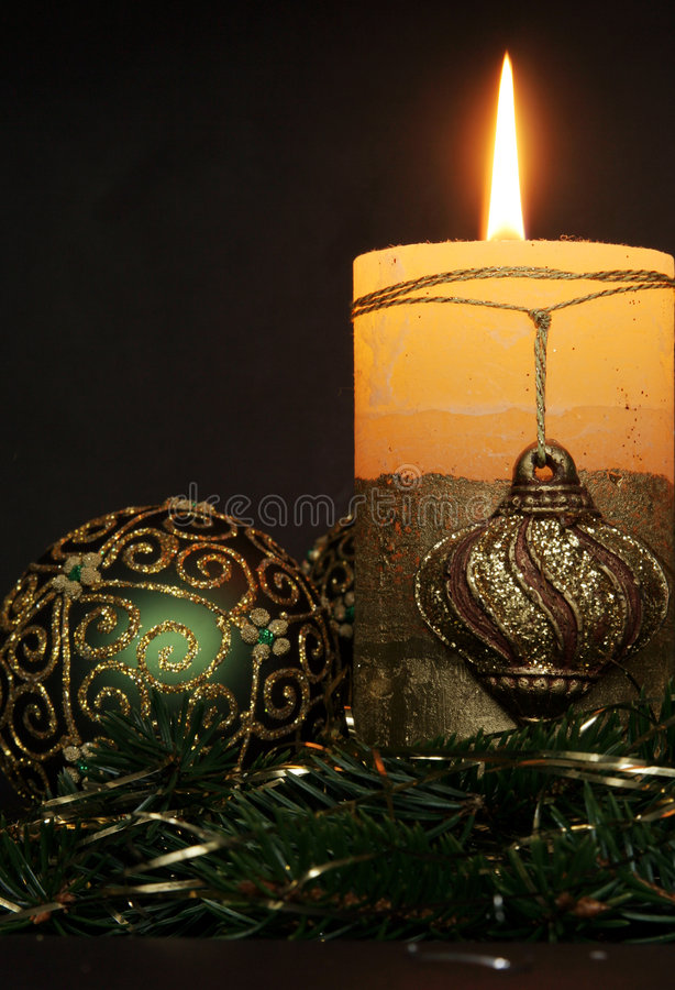 Free Christmas Candles And Balls Ornaments Royalty Free Stock Photography - 3793647
