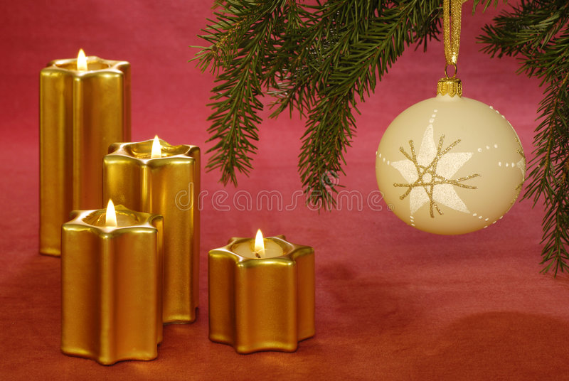 Download Christmas Candles And Bauble Royalty Free Stock Photography - Image: 7196437