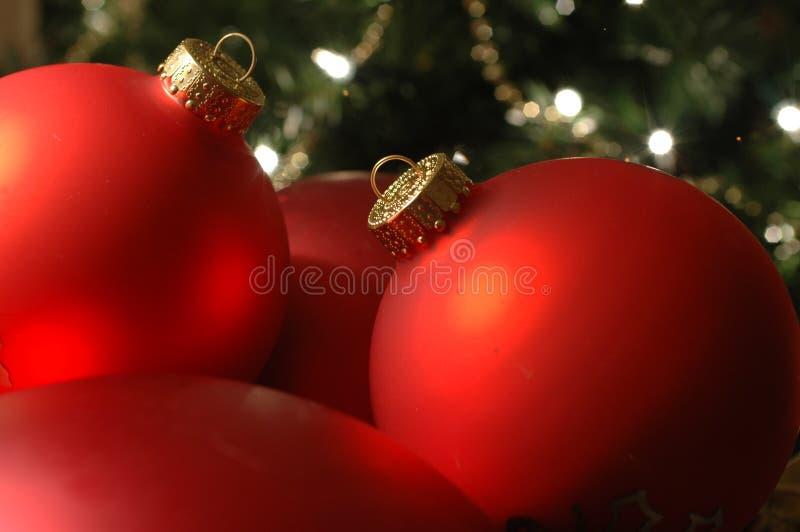 Download Christmas decor στοκ εικόνα. εικόνα από πράσινος, φω, σφαιριστών - 398617
