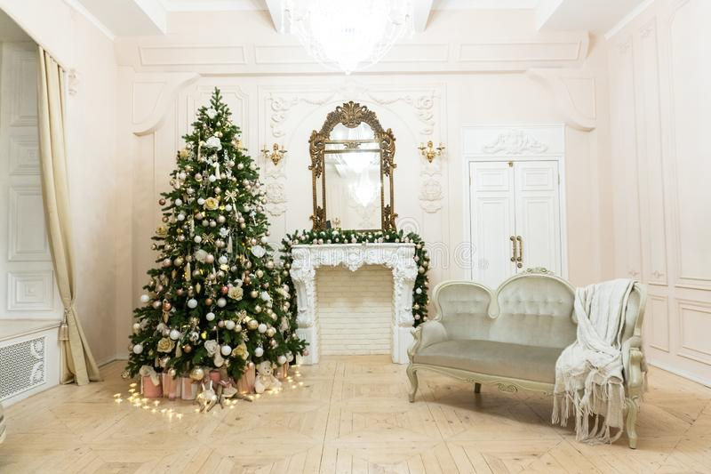 Christmas decor in a bright room before the new year 1 royalty free stock photography