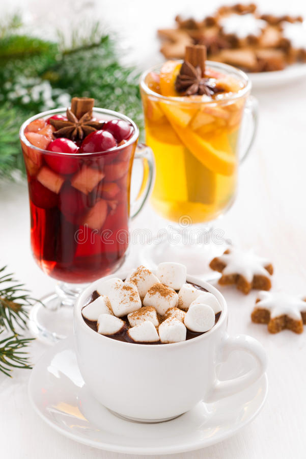 Free Christmas Drinks - Hot Chocolate With Marshmallows, Mulled Wine Royalty Free Stock Images - 45509309