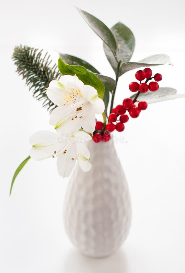 Free Christmas Flower Arrangement Royalty Free Stock Image - 16722436