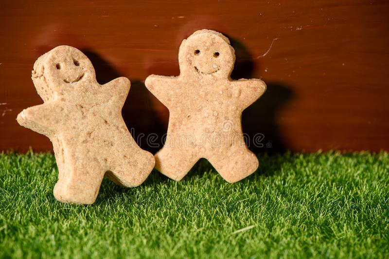 Christmas food. Gingerbread man cookies in Christmas setting. Xmas dessert royalty free stock images
