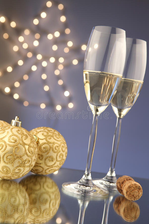 Free Christmas Glasses Of Champagne Royalty Free Stock Images - 17357469