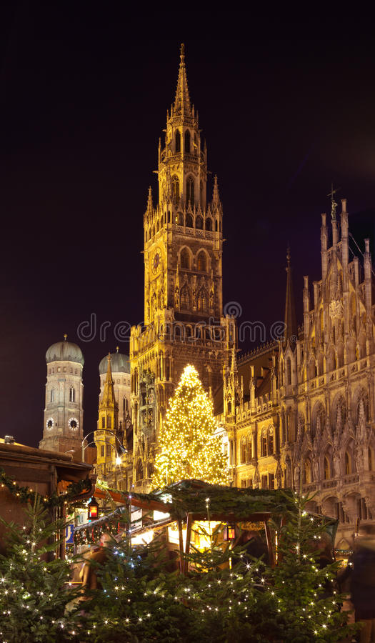 Download The Christmas Market On The Marienplatz In Munich Stock Image - Image: 40048965