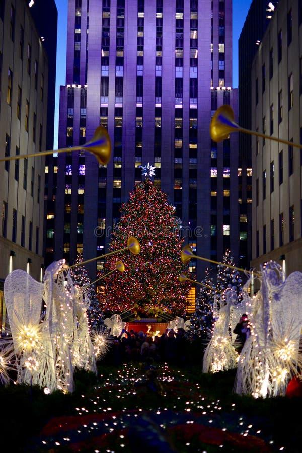 Christmas In New York - Rockefeller Center Christmas Tree ...