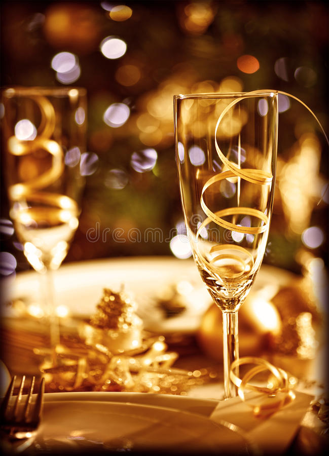 Download Christmas Table Setting Royalty Free Stock Photography - Image: 27985887