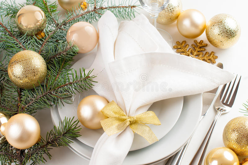 Christmas Table Setting In Gold Tones Stock Photos