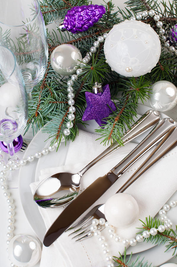 Download Christmas Table Setting, In Purple Tones Stock Image - Image: 34306775