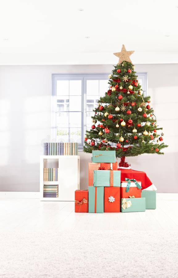 Free Christmas Tree And Wrapped Gifts Stock Photo - 21229450