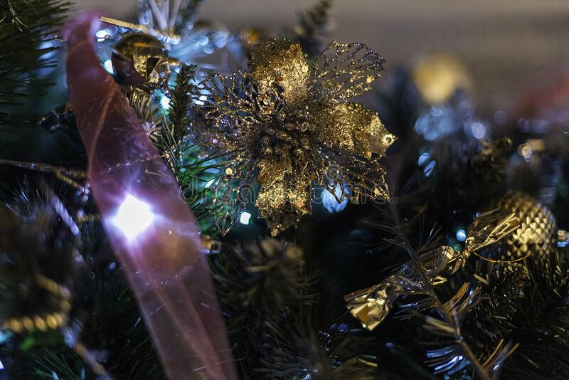 Christmas Tree Decorations Free Public Domain Cc0 Image