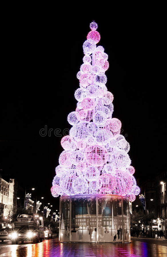 Download Christmas Tree On Dublin Streets At Night Stock Photo - Image: 7160912
