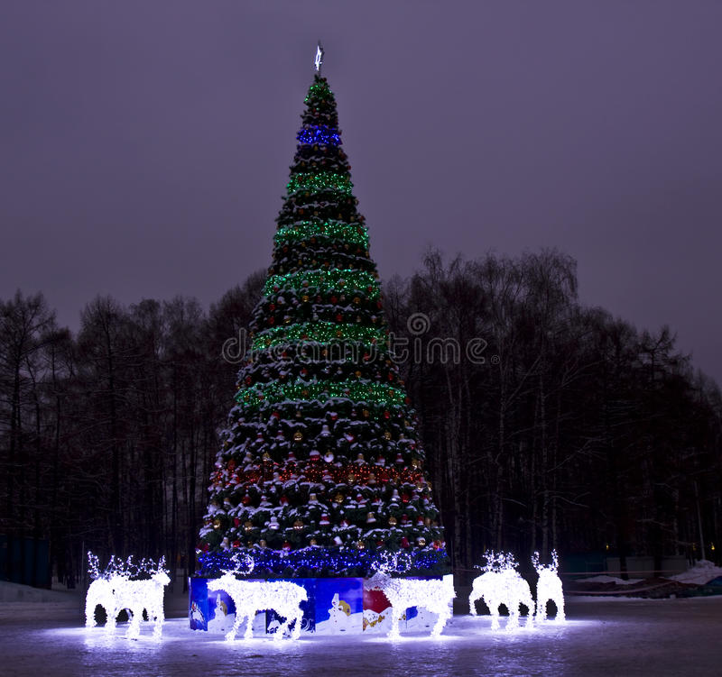 Download Christmas Tree And Electric Deers, Moscow Editorial Photo - Image: 26871491