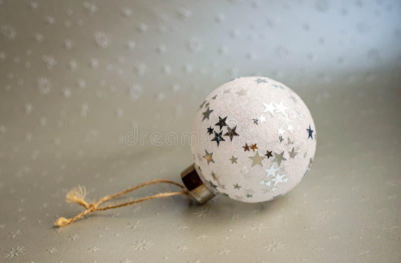 Christmass bauble met sterren royalty-vrije stock afbeeldingen