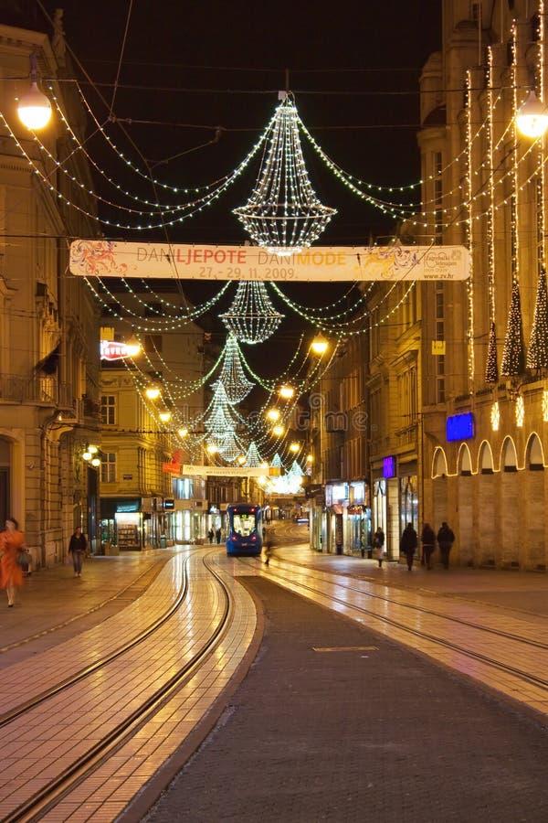 Christmass Dekoration in der Stadt lizenzfreies stockbild