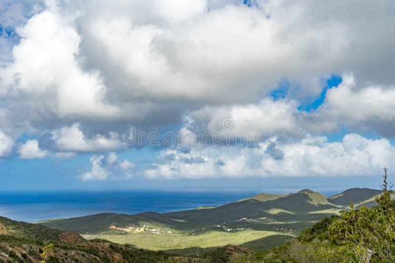Christoffel nationalparksikter till havet arkivfoton