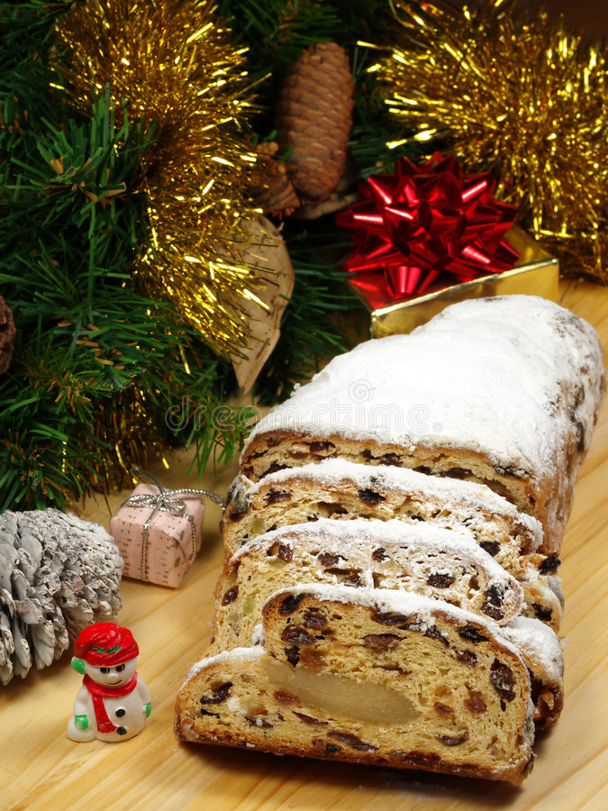 Christstollen - pain allemand traditionnel de Noël image stock