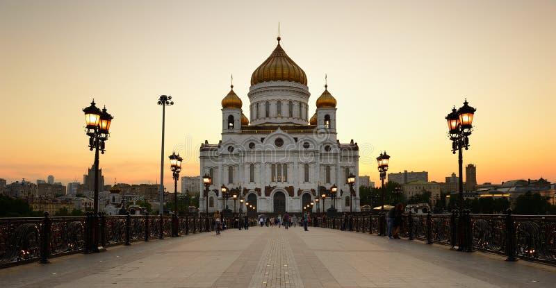 Christus de Verlosserkathedraal bij zonsondergang Rusland moskou royalty-vrije stock afbeeldingen