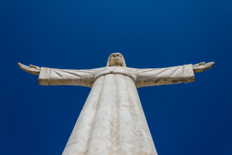 Christus die Erlöser- oder Christo Redentor-Statue in Lubango, Angola stockfotos
