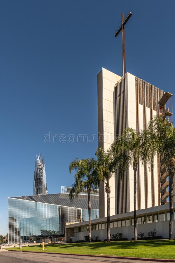 Christus-Kathedrale, Turm der Hoffnung und Kristall-Crean-Turm im Garten Grove, Kalifornien stockfoto
