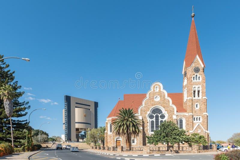 Christuskirche och självständighetminnesmärke i Windhoek arkivfoto