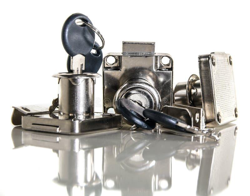 Chromed metalluppsättning av maskinvara för dörrar royaltyfri foto