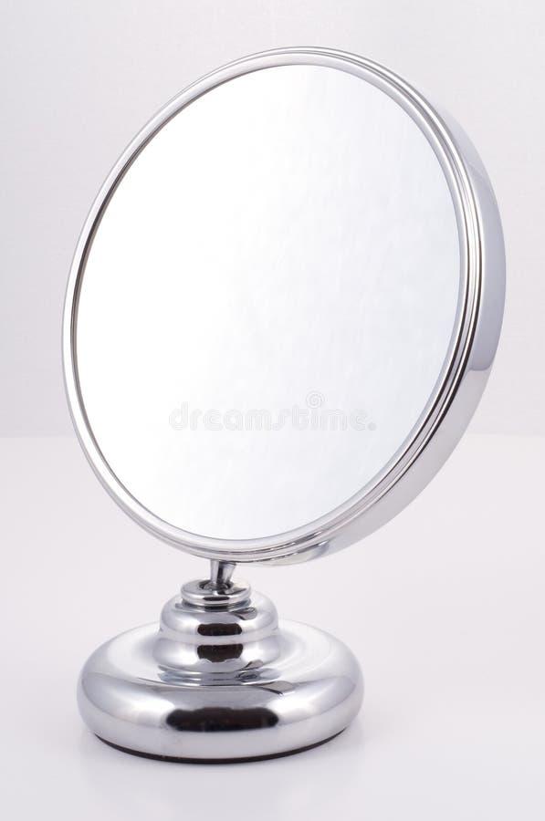 chromu lustrzany round stojak zdjęcie royalty free