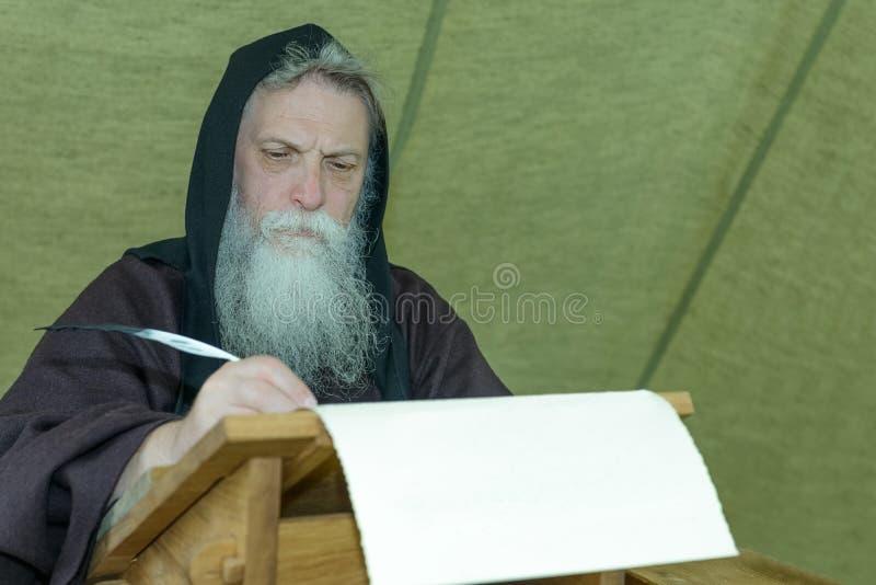 Chroniqueur de moine photos libres de droits