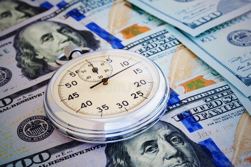 Chronomètre un fond de plan rapproché d'argent images libres de droits
