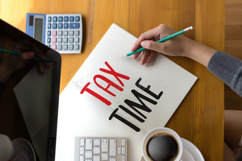 Chronométrez pour l'imposition Busi de comptabilité financière d'argent de planification des impôts photo libre de droits