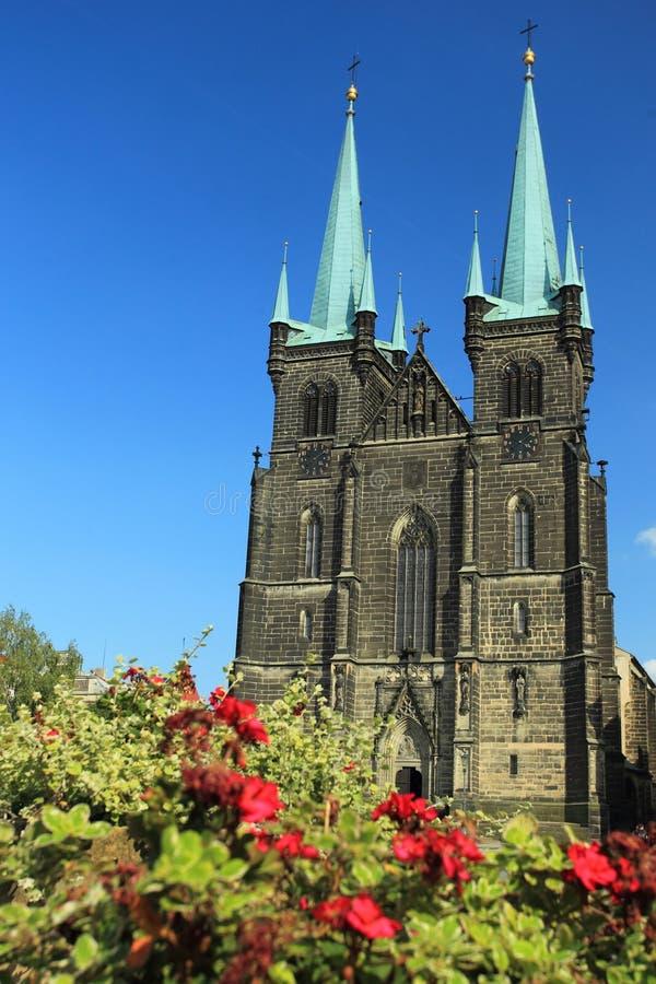 Chrudim - Kirche der Annahme von Jungfrau Maria lizenzfreie stockfotografie
