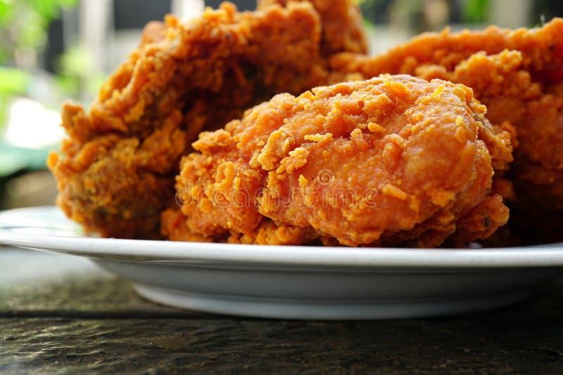 chrupiące smażonego kurczaka zdjęcia stock