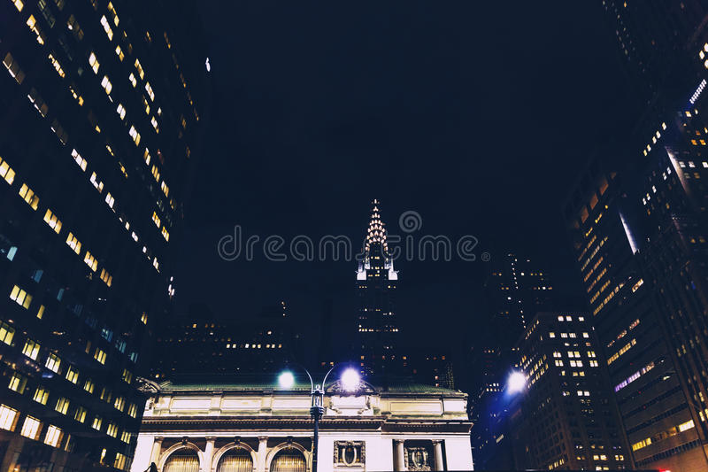 Chrysler, das Manhattan, New York bis zum Nacht errichtet lizenzfreies stockfoto