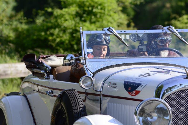 CHRYSLER 72 DE LUXE TERENÓWKA 1928 bieżny samochód w zlotnym Mille Miglia 2018 sławna włoska dziejowa rasa 1927-1957 fotografia royalty free