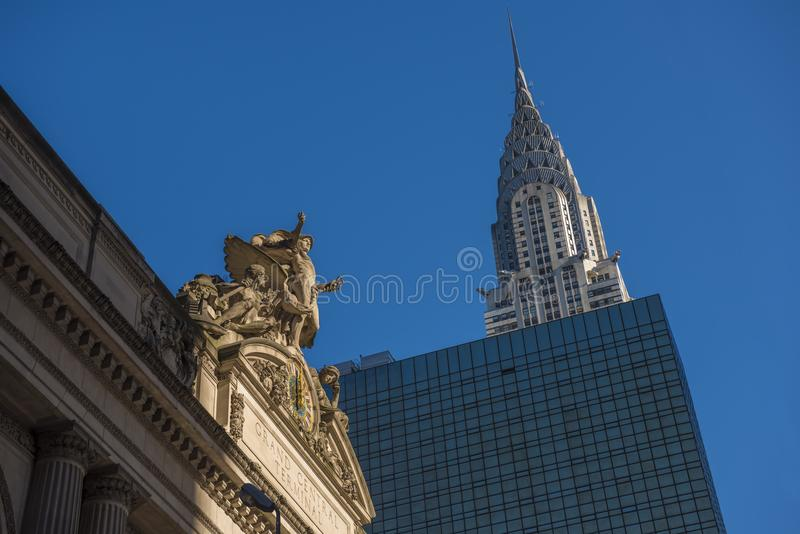Chrysler-Gebäude durch Grand Central -Station lizenzfreies stockbild