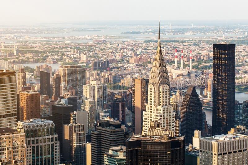 Chrysler-Gebäude, Manhattan, Vogelperspektive mit Wolkenkratzern Ansicht vom Empire State Building lizenzfreies stockbild