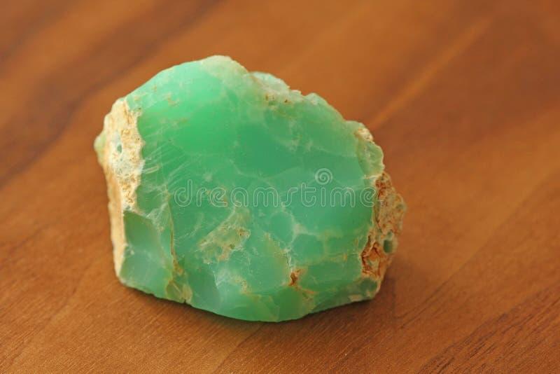 Chrysoprase è un minerale di pietra naturale, una collezione di naturale fotografia stock