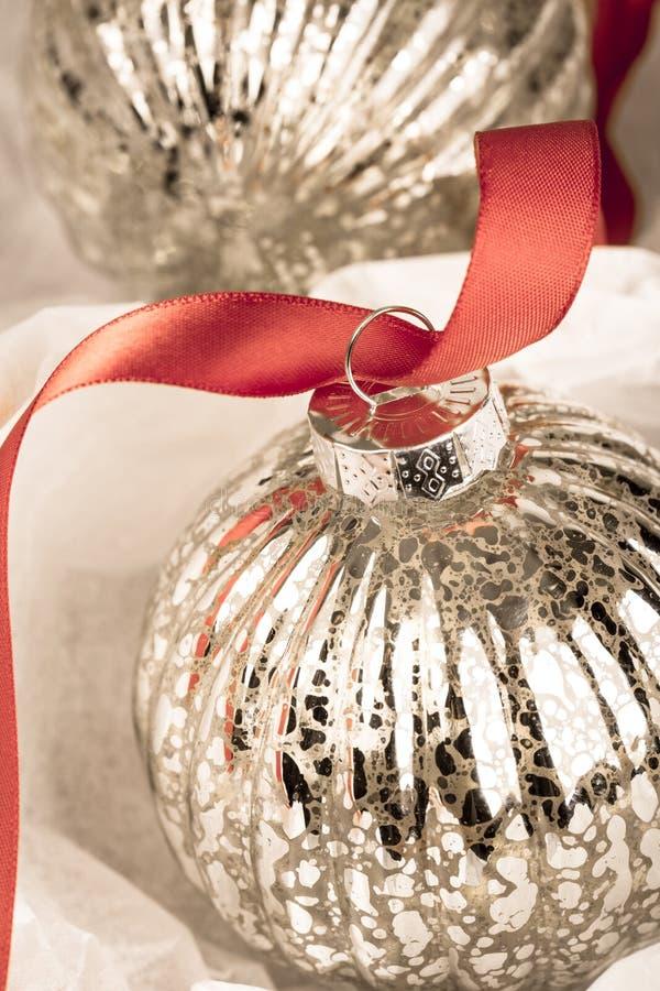 Chuchería antigua de la Navidad fotografía de archivo libre de regalías