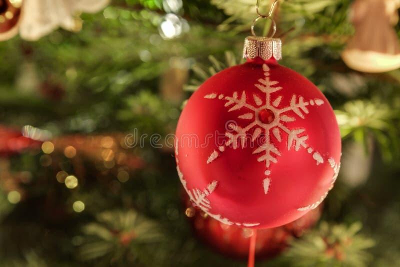 Chuchería roja de la Navidad imagen de archivo