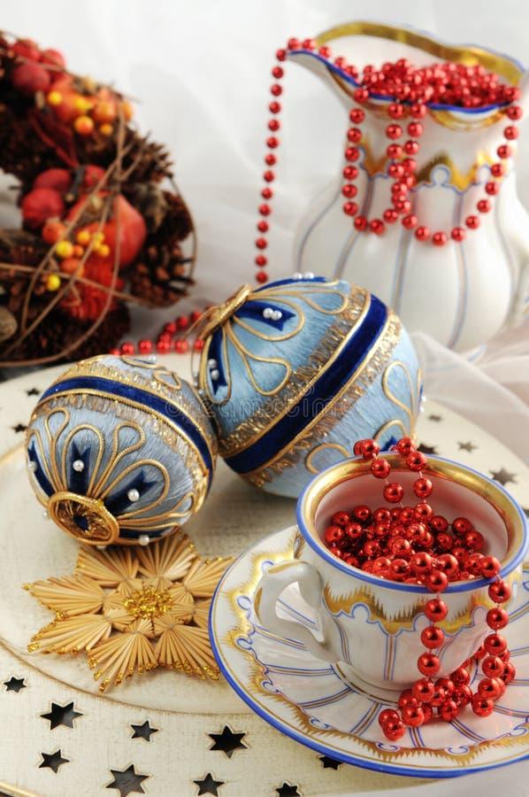 Chucherías antiguas de la Navidad del tiempo de Biedermeier con las galletas y o fotografía de archivo libre de regalías
