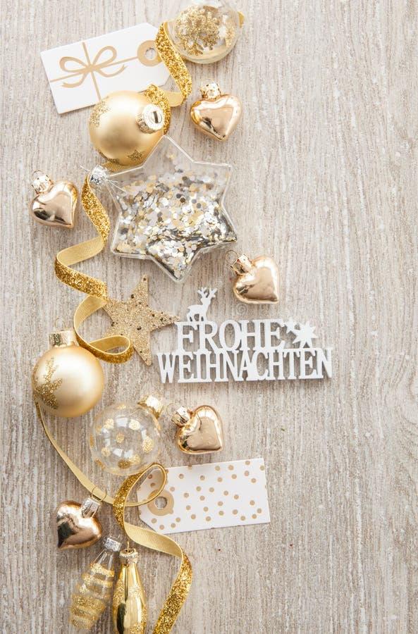 Chucherías y decoraciones de la Navidad fotos de archivo