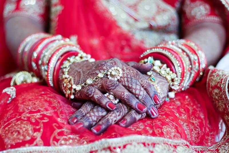 Chuda und mahendi u. x28; Heena& x29; - Indien Ahmedabad lizenzfreie stockfotos