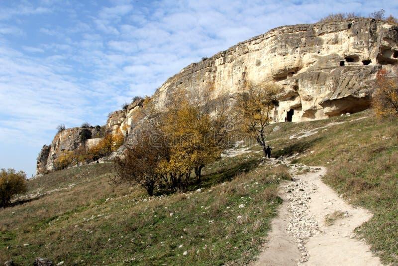 Chufut-couve antiga da cidade da caverna em Crimeia fotos de stock royalty free