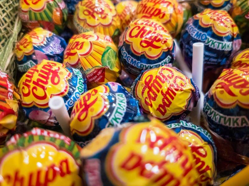 Chupa Chups-suikergoed voor verkoop in de opslag royalty-vrije stock afbeelding