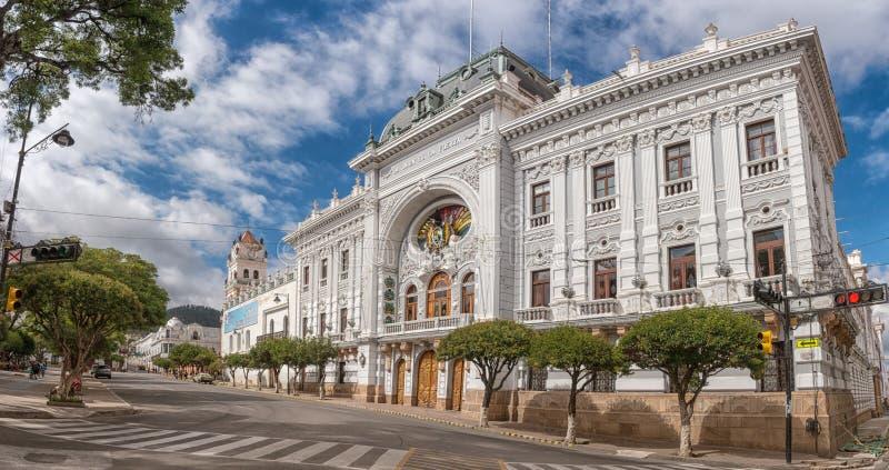 Chuquisaca广场25 de马约角广场的总督职位宫殿在苏克雷,玻利维亚 免版税图库摄影