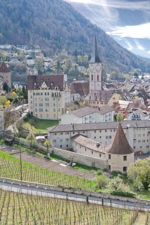 chur有历史的包围的瑞士vinyards 库存照片