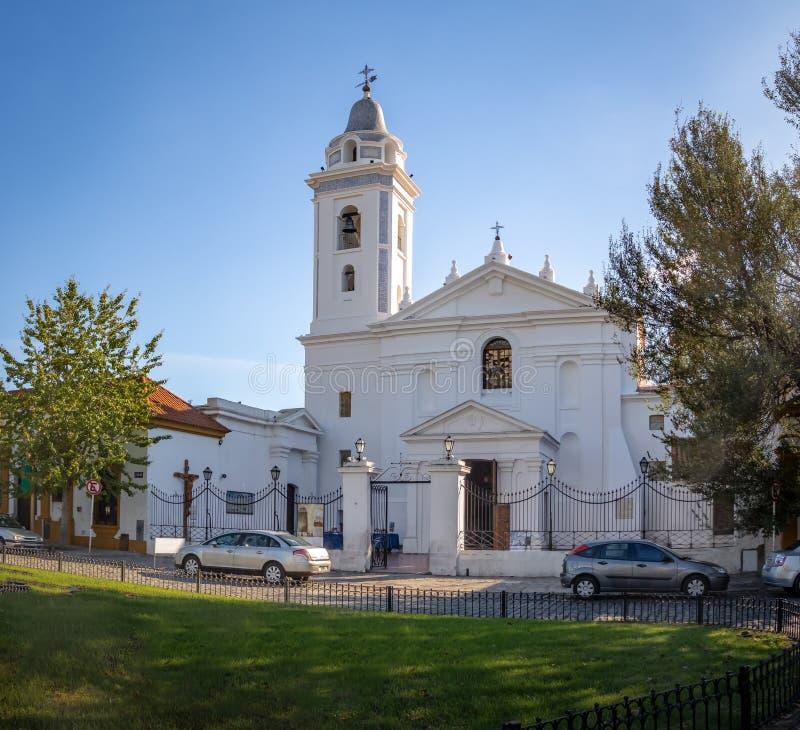 Church Basilica de Nuestra夫人台尔毛发在Recoleta公墓-布宜诺斯艾利斯,阿根廷附近 免版税库存照片