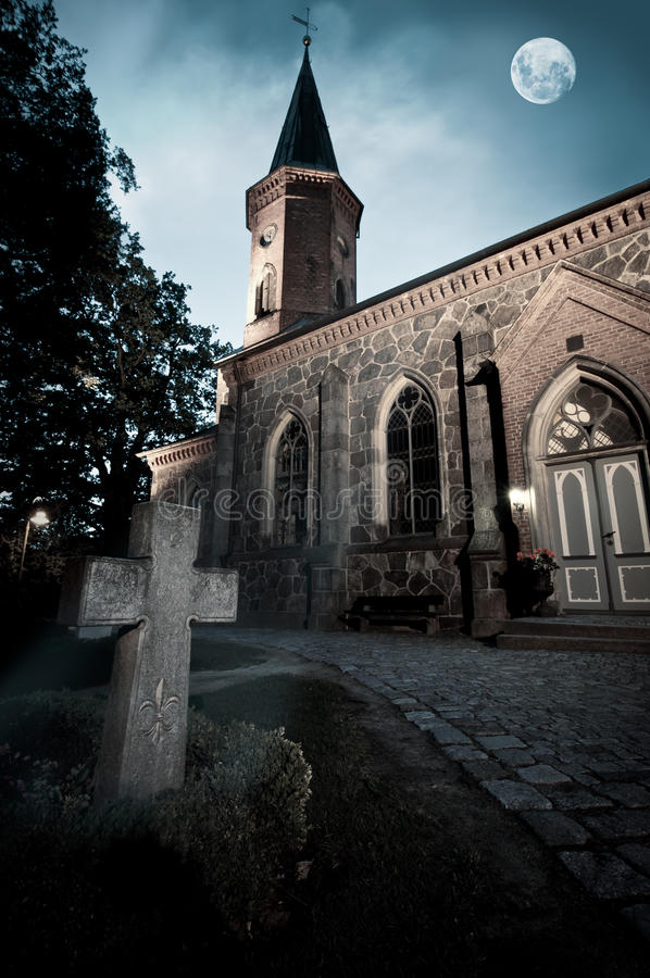 Free Church With Graveyard Royalty Free Stock Photos - 19910218